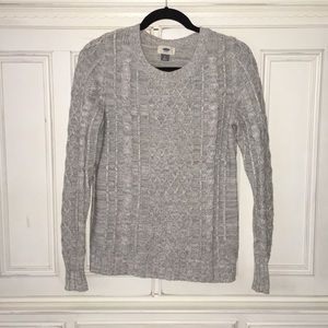 Thick knit gray sweater